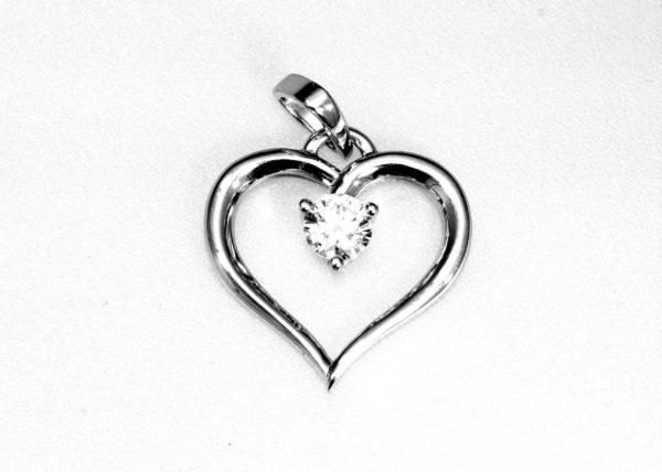 Heart Shape 3 Nails Diamond white G