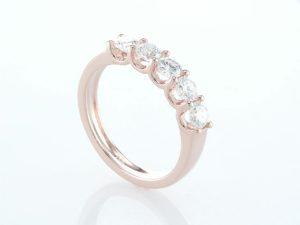 טבעת יהלומים רוז גולד